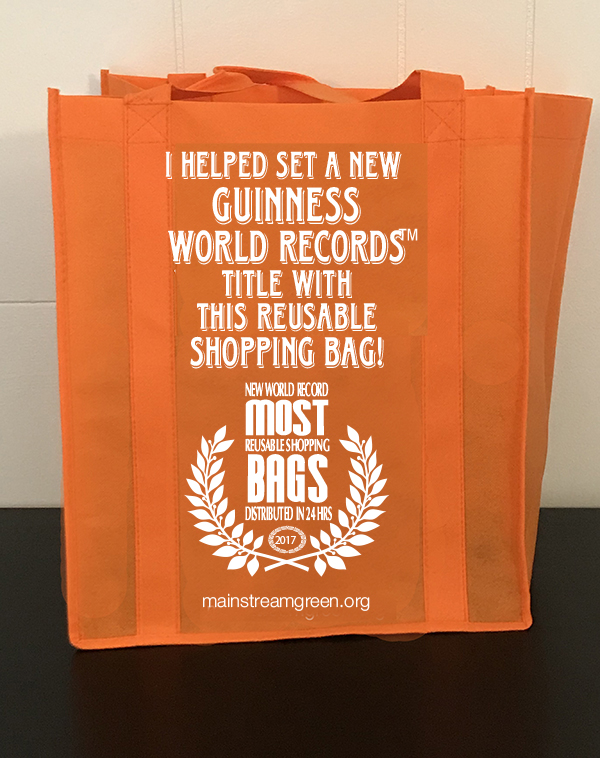 I helped set a nw Guinness World Rcords Tile with hi reusable shopping bag