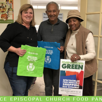 Patrons of Syracuse's Grace Church Food Pantry received reusable bags from Mainstream Green