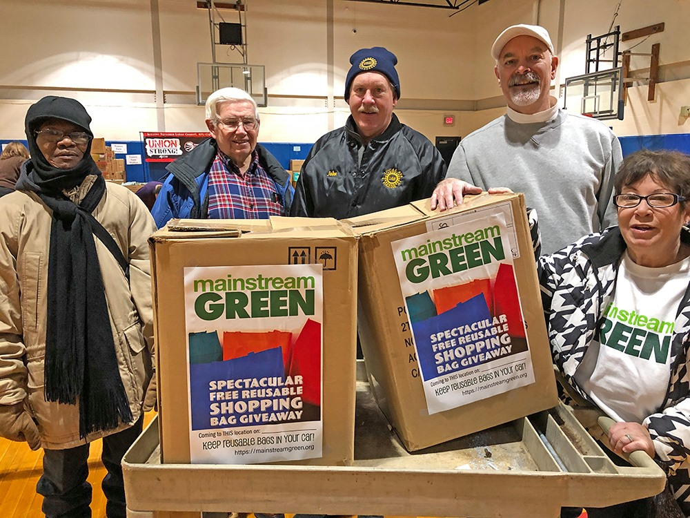 Mainstream Green donates reusable shopping bags on Martin Luther King Day of Service, Syracuse NY